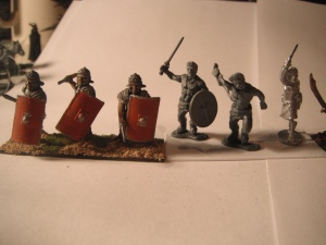 Warlord Games Romans beside the fianna giants.  Even accounting for base differences there is almost a scale difference in models.